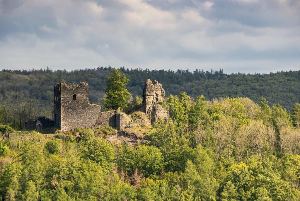 Zřícenina hradu Egerberk (foto: Martin Namesny)